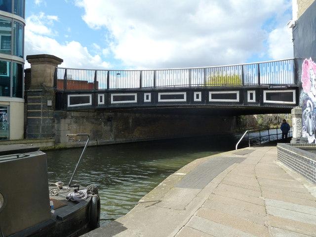 Bridge 29, Regents Canal - St Pancras Way
