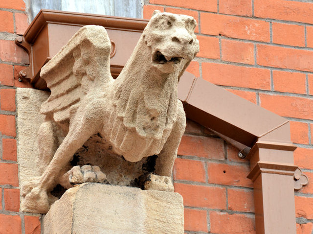 Gargoyle, Queen's University, Belfast - April 2015(2)