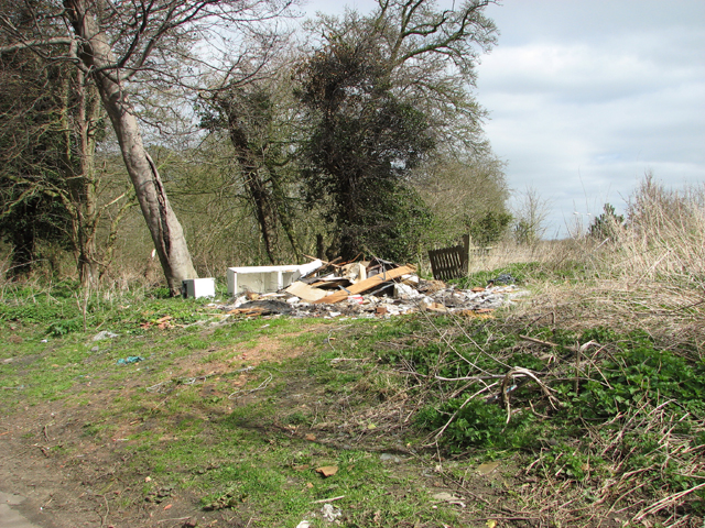 Fly-tipping at Brooks Green