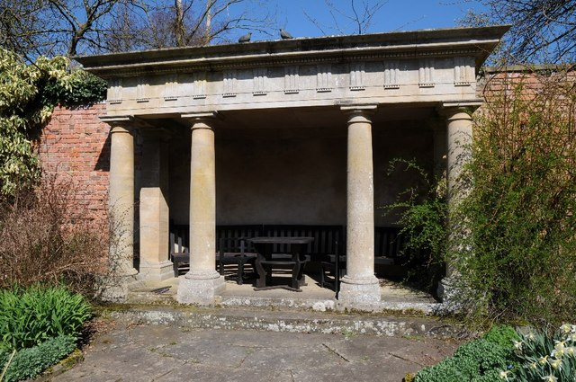 Doric Temple, Spetchley Gardens