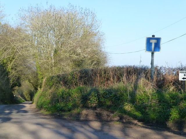 Junction at the road to Mill Farm, near Llanvapley