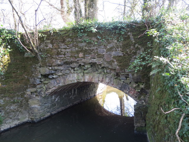 Tala Water - Bude Canal aqueduct - stonework detail