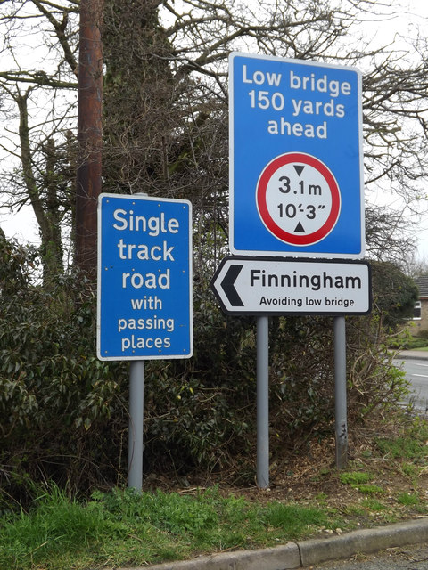 Roadsigns on Pound Hill