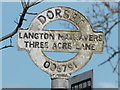 SZ0079 : Langton Matravers: an old fingerpost roundel by Chris Downer