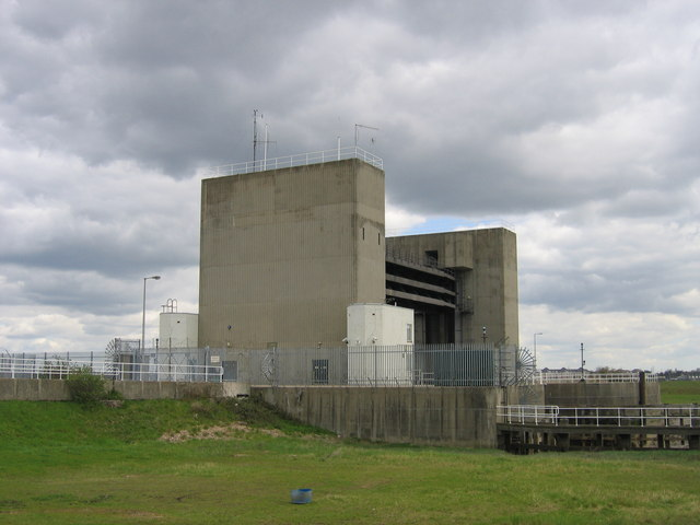 Flood barrier at the mouth of the River Darent