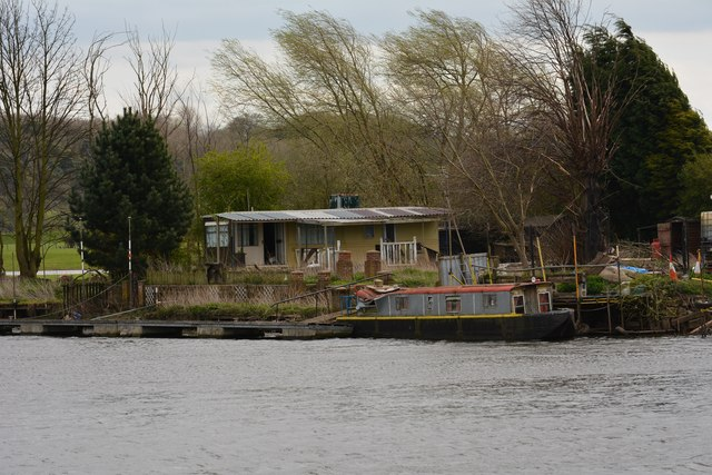 Ramshackle buildings by the river Trent