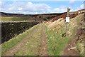SD9633 : Fingerpost beside Walshaw Dean Middle Reservoir by Chris Heaton