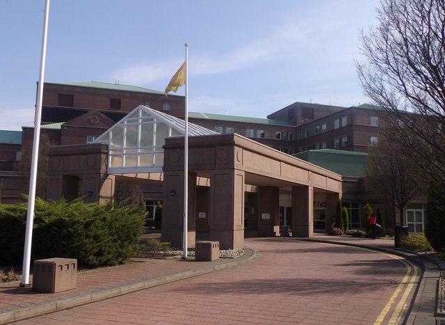 Entrance to Beardmore Hotel