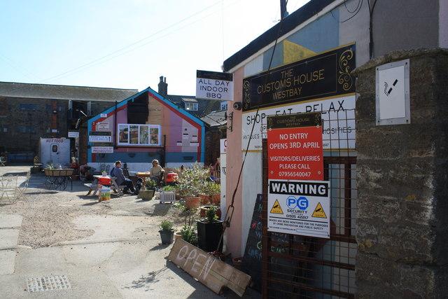 The Customs House Good S Yard West Bay C John Stephen Geograph Britain And Ireland