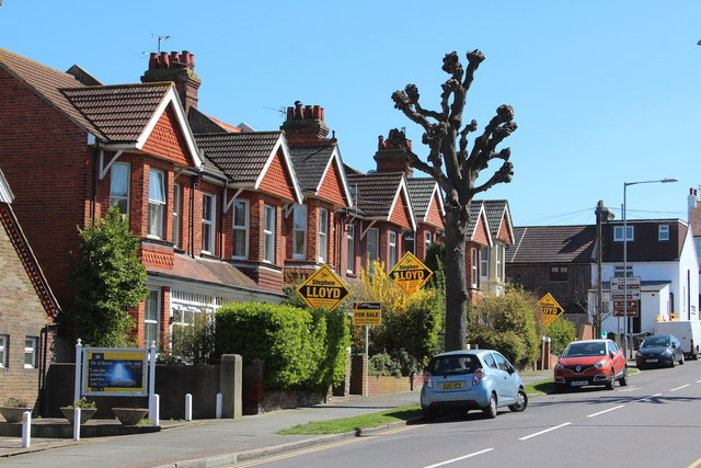 Houses on Victoria Drive