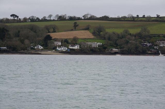 Houses near Weir Point