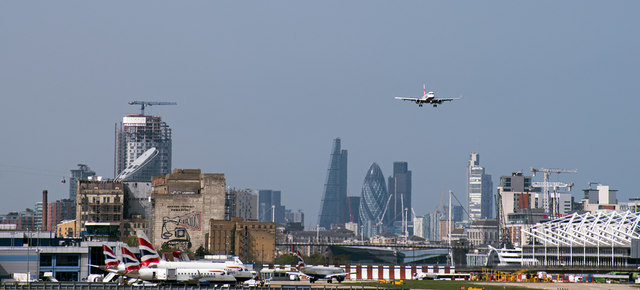G-LCYL approaching London City airport