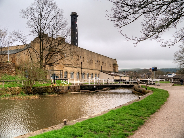 Leeds and Liverpool Canal, Bridge#199 and Bowling Green Mill