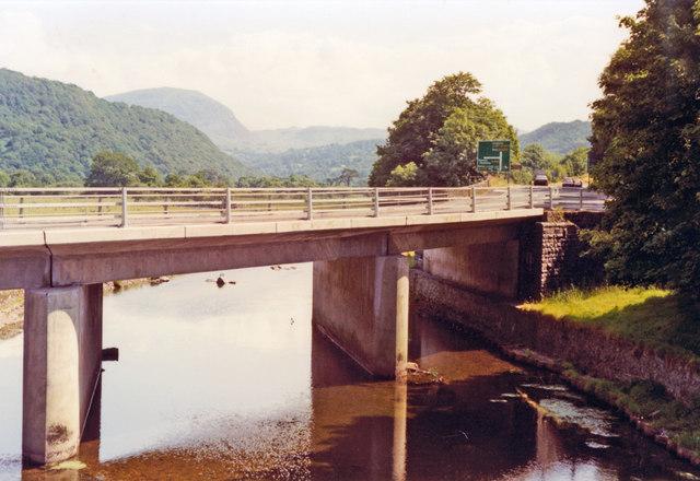 Maentwrog, 1992: A487 bridge over Afon Dwyryd, up Vale of Ffestiniog