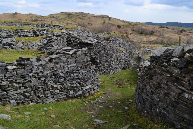 Path between slate spoil, Banishead quarry