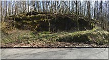 NS3678 : Old sandstone quarry by Lairich Rig