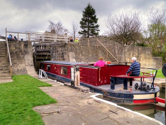 Negotiating Bingley Five-Rise Locks