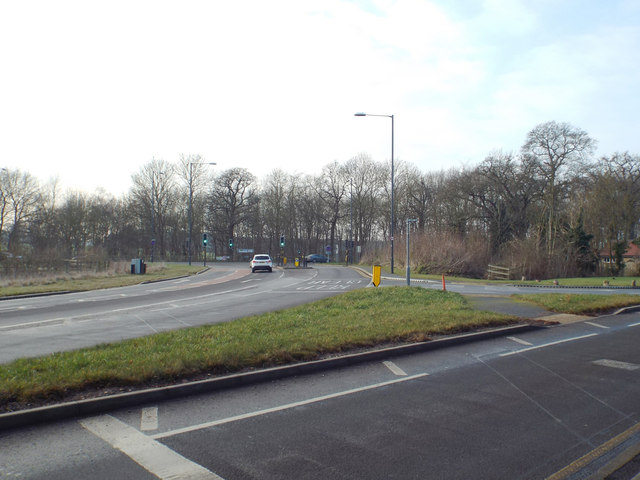 Remodelled junction of Gallows Hill and Banbury Road, south of Warwick