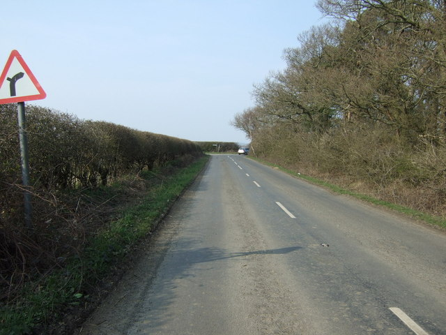 Approaching junction on Bet's Lane
