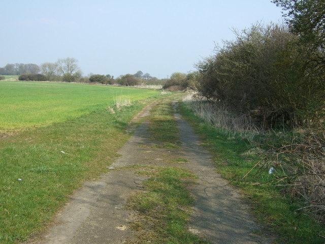 Farm track near Well Hill