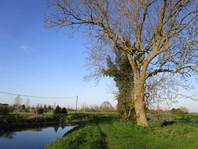 The beginning of the footpath from South Kyme to Chapel Hill