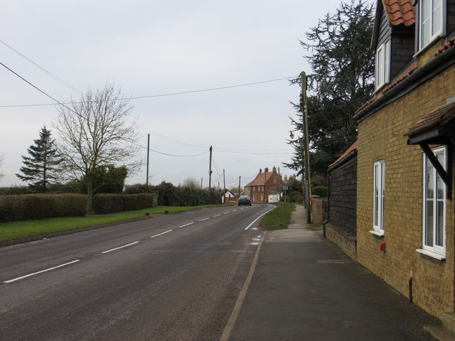 Road (A1123) at Hill Row, Haddenam