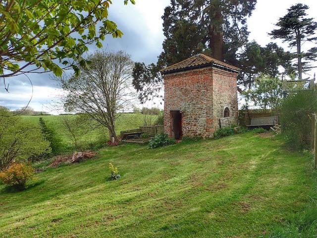 Dovecote, Rose Hill