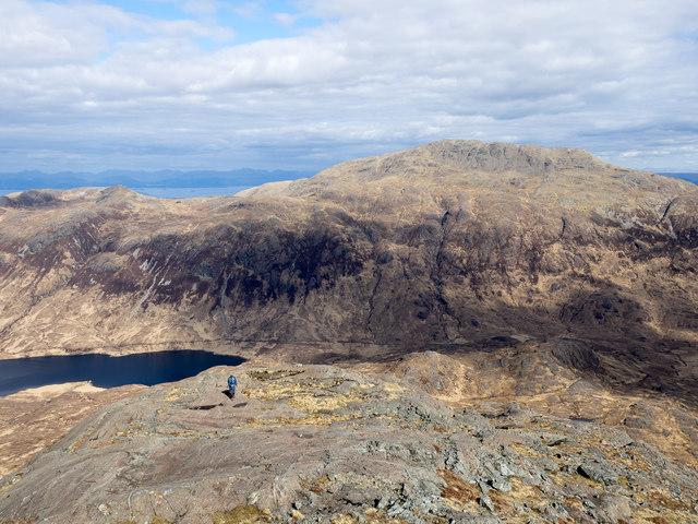Rock slabs on ridge east from Cnap nan Gobhar