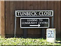 TM2784 : Tunbeck Close sign by Adrian Cable