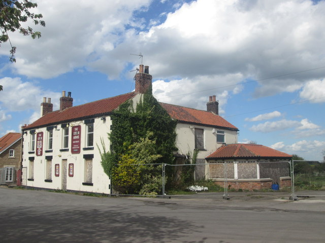 The Steer Arms, Belton