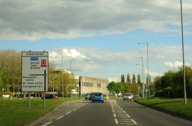 Dorcan Way approaching Kingfisher roundabout