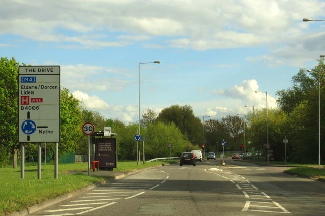 Dorcan Way approaching The Drive roundabout