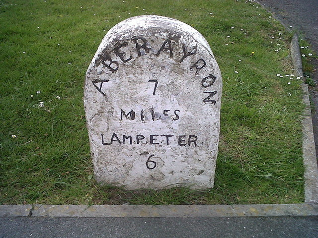 Felinfach, Milestone - Aberayron 7 Lampeter 6