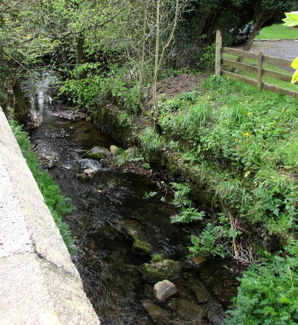 Gwyddfan flows below Ammanford Road, Llandybie