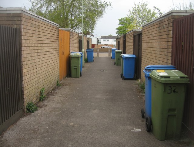 Path to Bracklesham Close