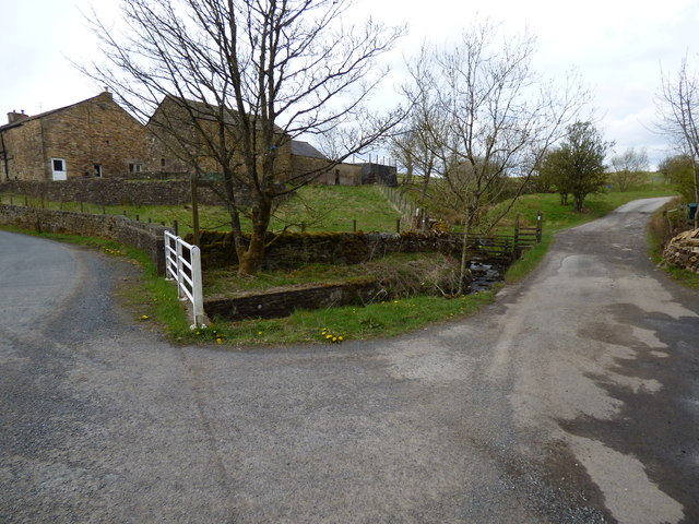 Start of track  (public footpath) to Mountain Farm