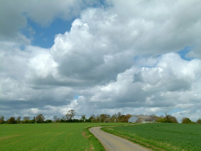 Unfenced road from Grimston to Shoby