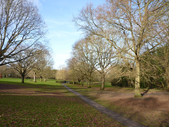Path from St Peter's Fields to Lido Park