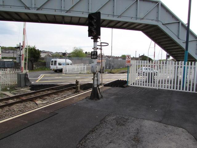 Signal PT449 at Llanelli railway station