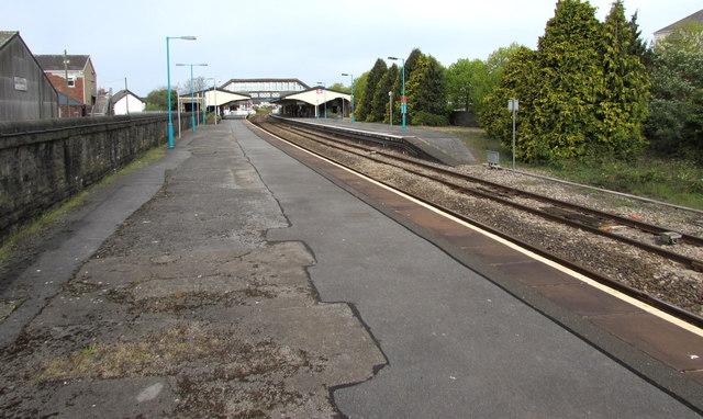 Slightly staggered platforms at Llanelli railway station