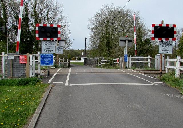 Brynmarlais Crossing, Llandybie