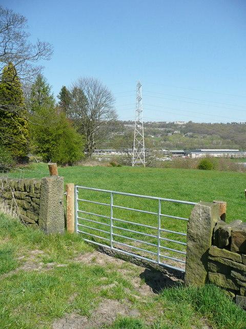 Sowerby Bridge FP079 (11), gate at junction with northern loop