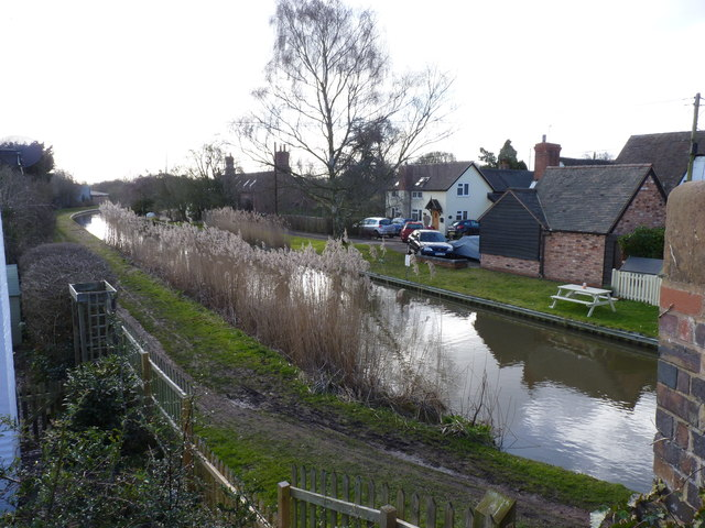 Shernal Green, Canal Side