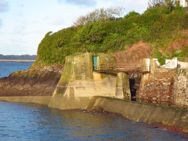 Military structure at Hakin Point