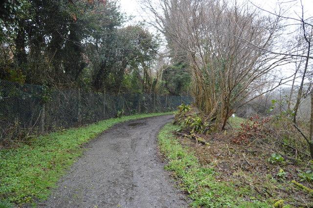Footpath to West Wood