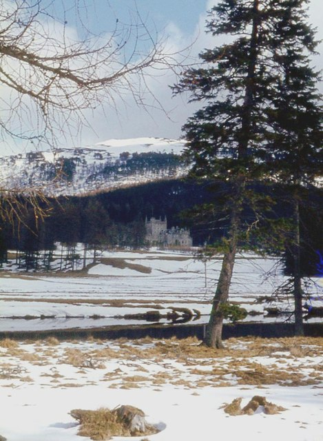 River Dee and Invercauld House