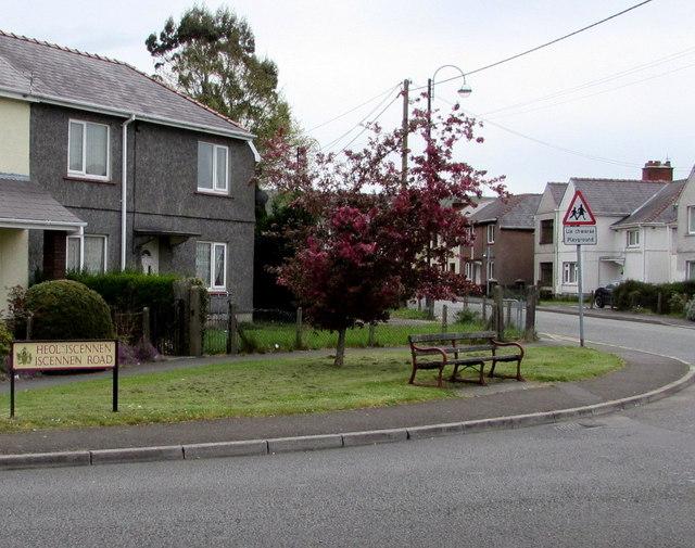 Iscennen Road bench, Ammanford