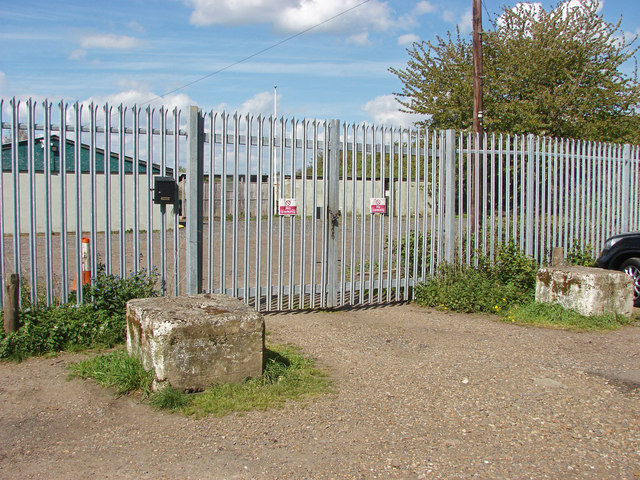 Firing range fence, Desborough Island