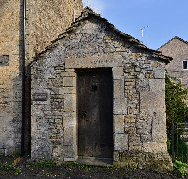 Nunney: The guard house in Horn street