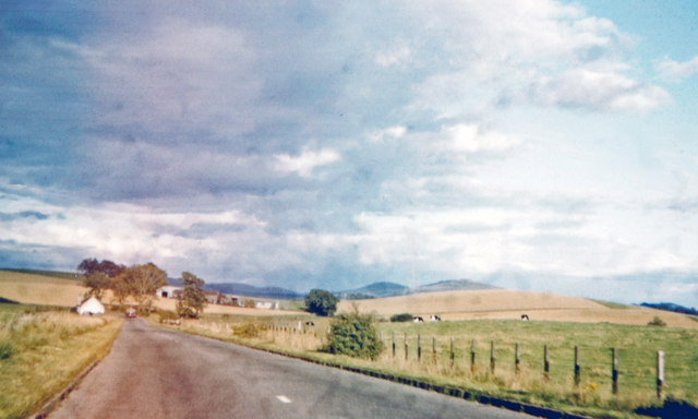 Eastward towards Carrick-on-Suir on road from Clonmel, 1993